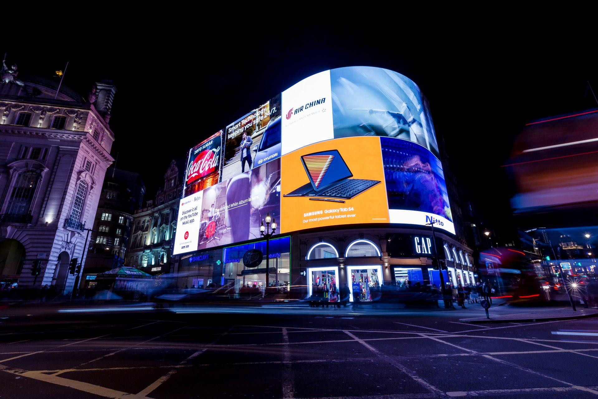 London highstreet Billboards above shops